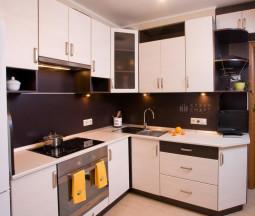 Кухня Дорис белая