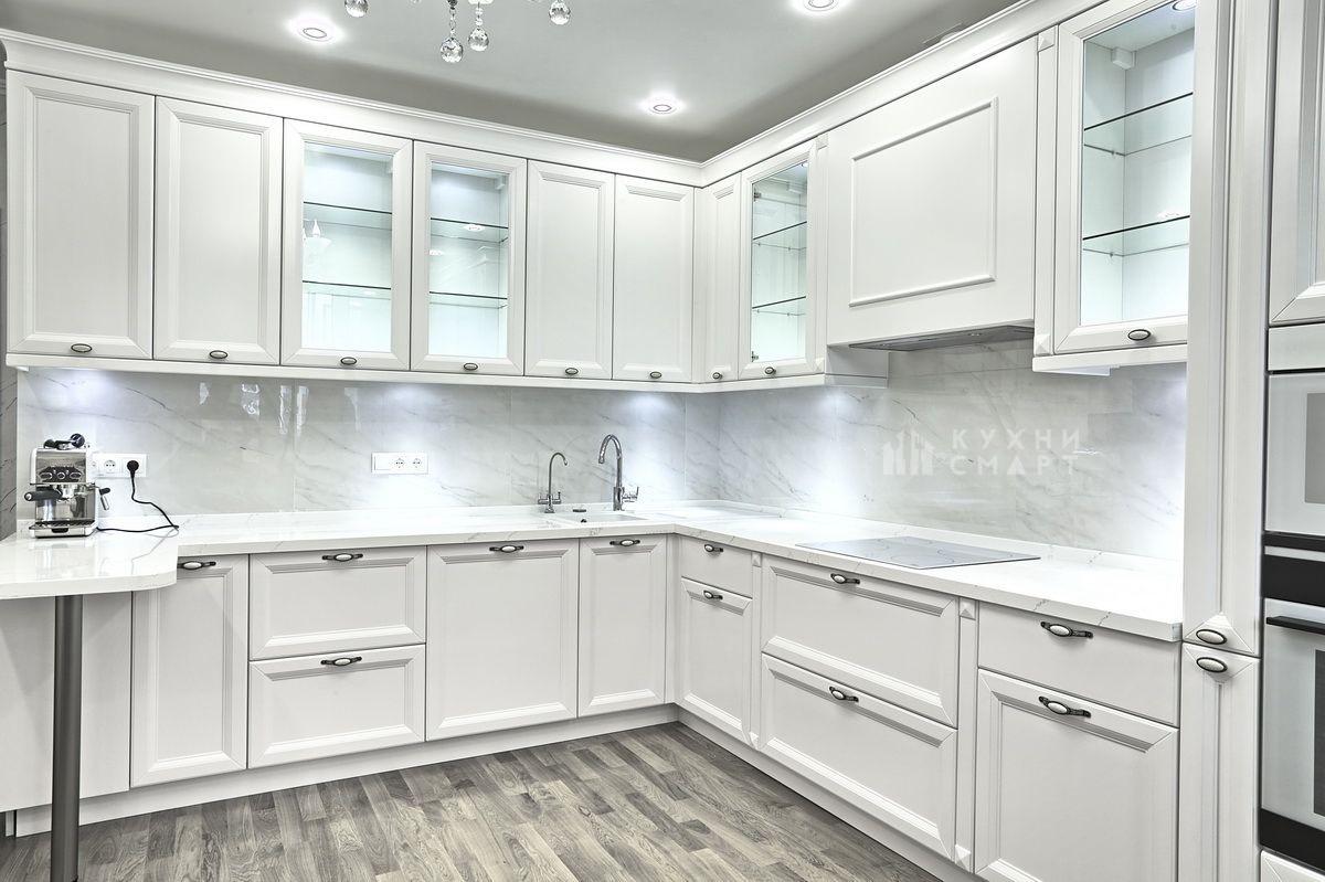 кухня белый фасад классика фото главного
